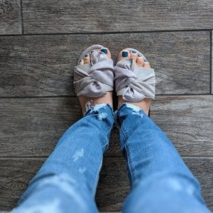Shoes - Grey Bow Sandals